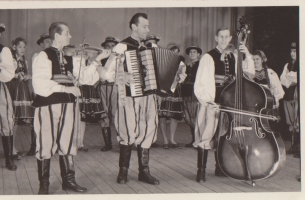 Jan Pelski 1933 w środku, z lewej Marian Kubiak, z prawej Zygmunt Pilichowski ud. Beata Bogacz